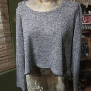 LIGHT WEIGHT GRAY CROPPED SWEATER!